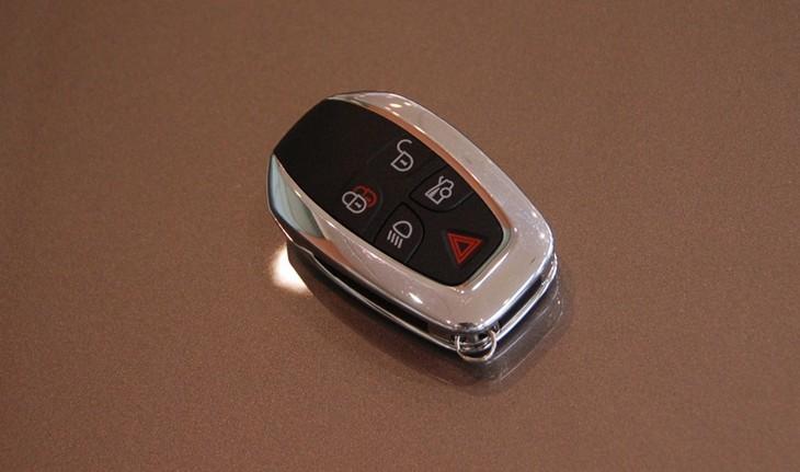 济南配汽车钥匙,济南汽车配钥匙,汽车开锁,济南汽车配遥控器,专业